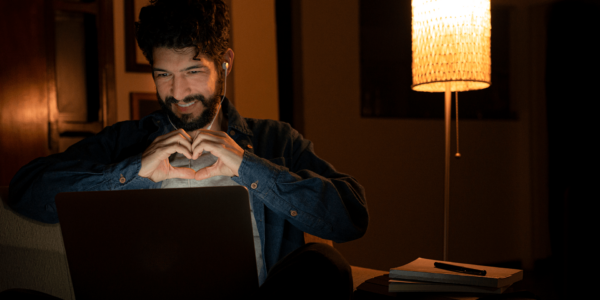 student-laptop-internet
